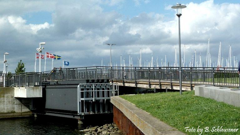 Sperrwerk zum Yachthafen